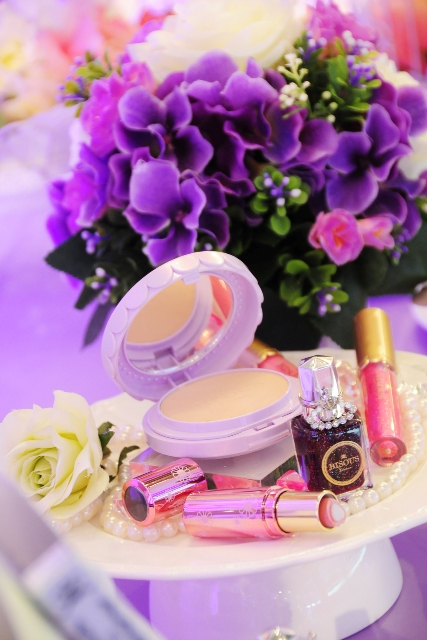 Bisous Bious Miracle White Powder Launching